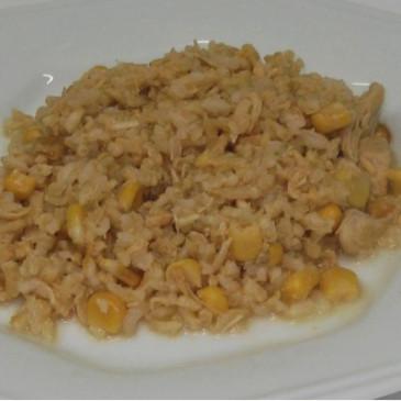 Risoto de Frango com creme de leite e milho verde liofilizado